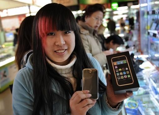 中国市場に入りあぐねるアップル、立ち止まらない中国の消費者