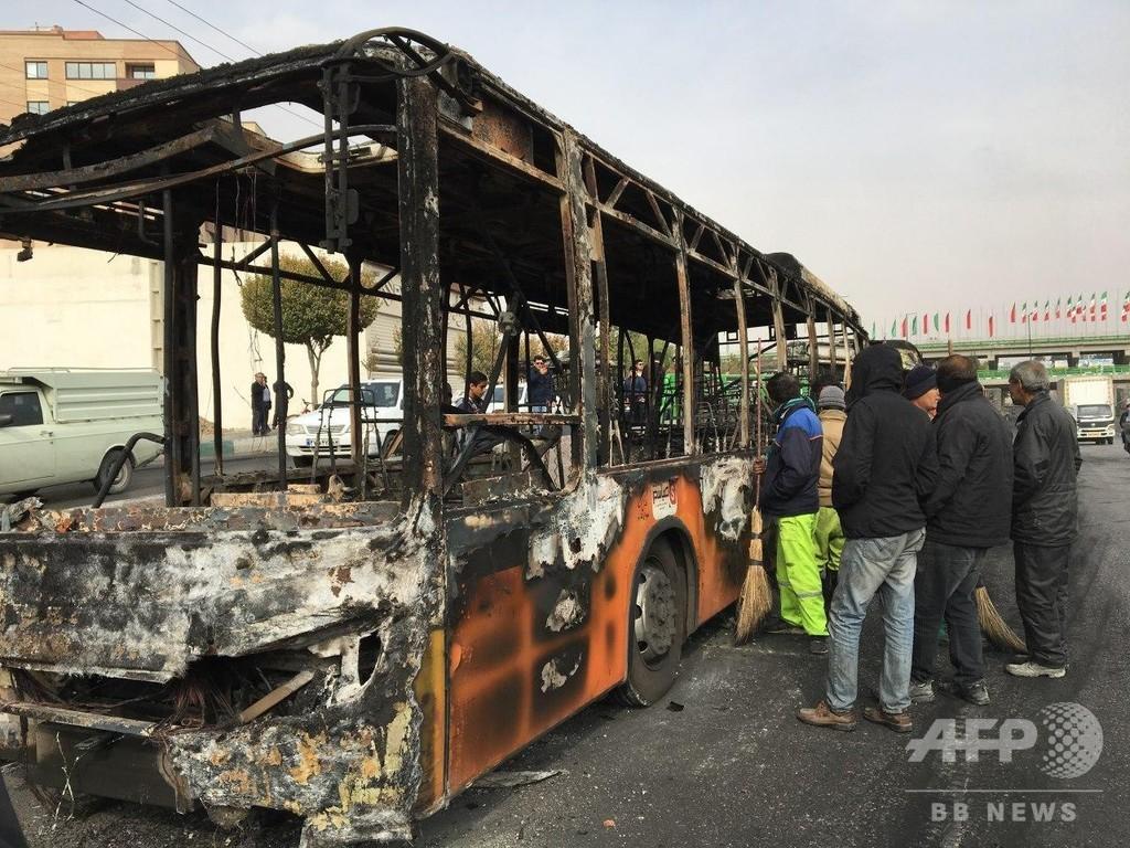 イラン大統領、社会の「不安定」容認しないと警告 抗議デモ受け