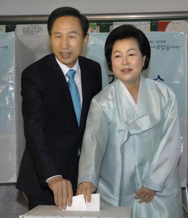 与党を惨敗に追い込んだ韓国の若者パワー