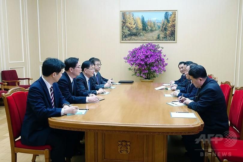 韓国特使団、金正恩氏と会談 歴史的訪朝