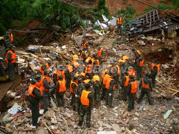 中国南部の豪雨、死者147人に