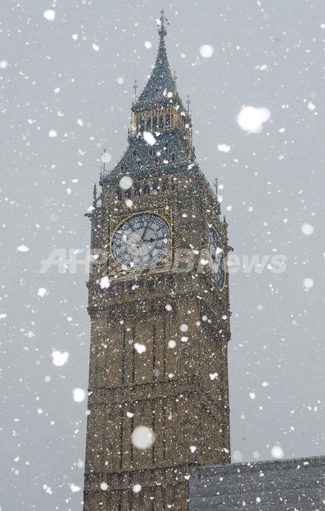 英国30年ぶり大雪、経済的損失は数千億円か