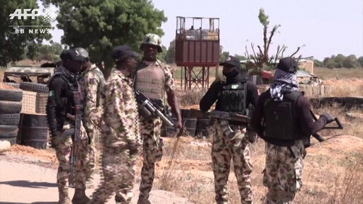 動画:「盗賊団」100人が村々を襲撃し略奪・放火、50人殺害 ナイジェリア
