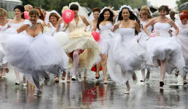 結婚後、女は仕事を辞めるべきか継続すべきか