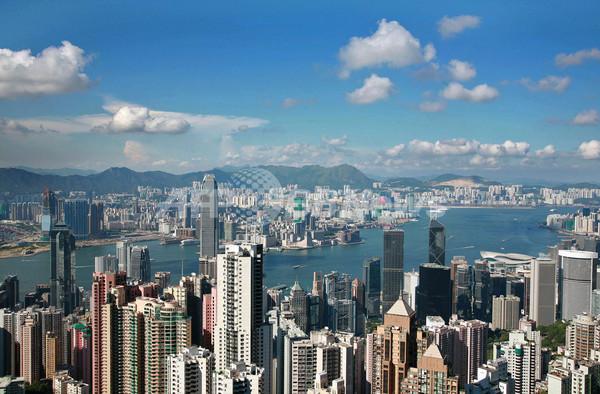 「青空は誰のおかげ」、香港で論争