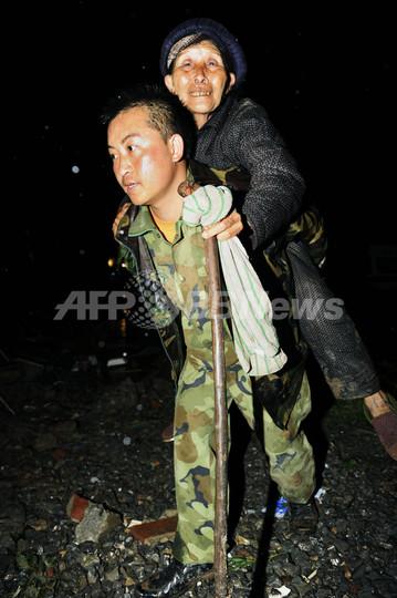 中国貴州省で山崩れ、107人生き埋め 捜索続く
