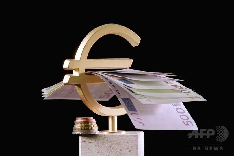 月6万円強の最低所得保障、フィンランドが試験導入へ