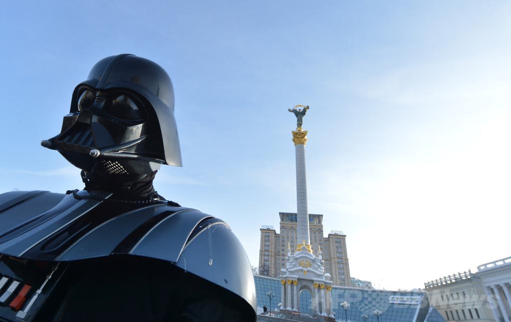 ウクライナ大統領選、「ダース・ベイダー」が出馬表明