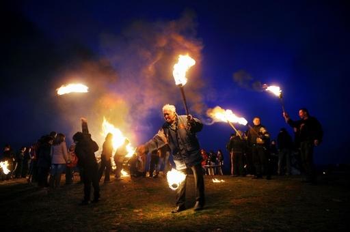 火で悪霊退散、ブルガリア