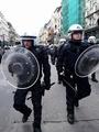 テロ犠牲者追悼の広場に極右が乱入、10人拘束 ベルギー