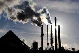 30年までに温室効果ガス4割削減、EUが「野心的」な目標で合意