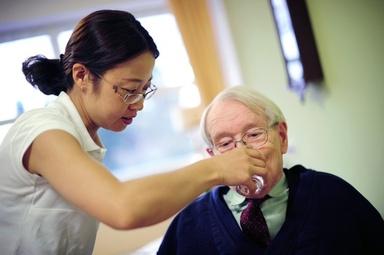 ドイツ、中国人看護師にラブコール