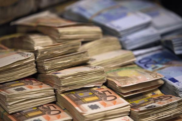 資産10億ドル超の「ビリオネア」が1500人突破、アジアで急増