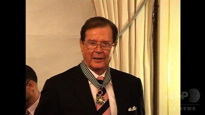 動画:英俳優ロジャー・ムーアさん死去 007シリーズ主演