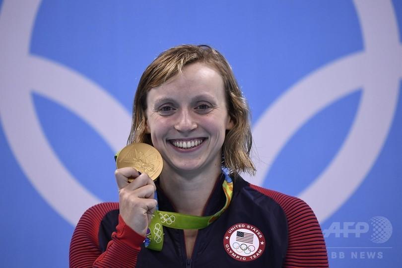 レデッキーが女子自由形3冠、男子50m自由形はアービンが最年長で2度目の金