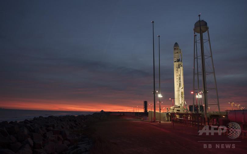 突然の航空機出現、ISS補給機の打ち上げ中止に 米バージニア州