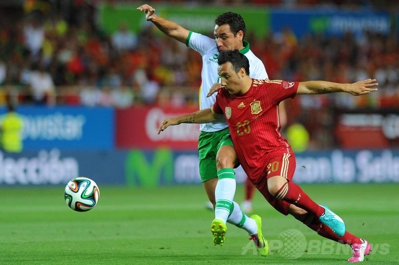スペインがボリビアに快勝、トー...
