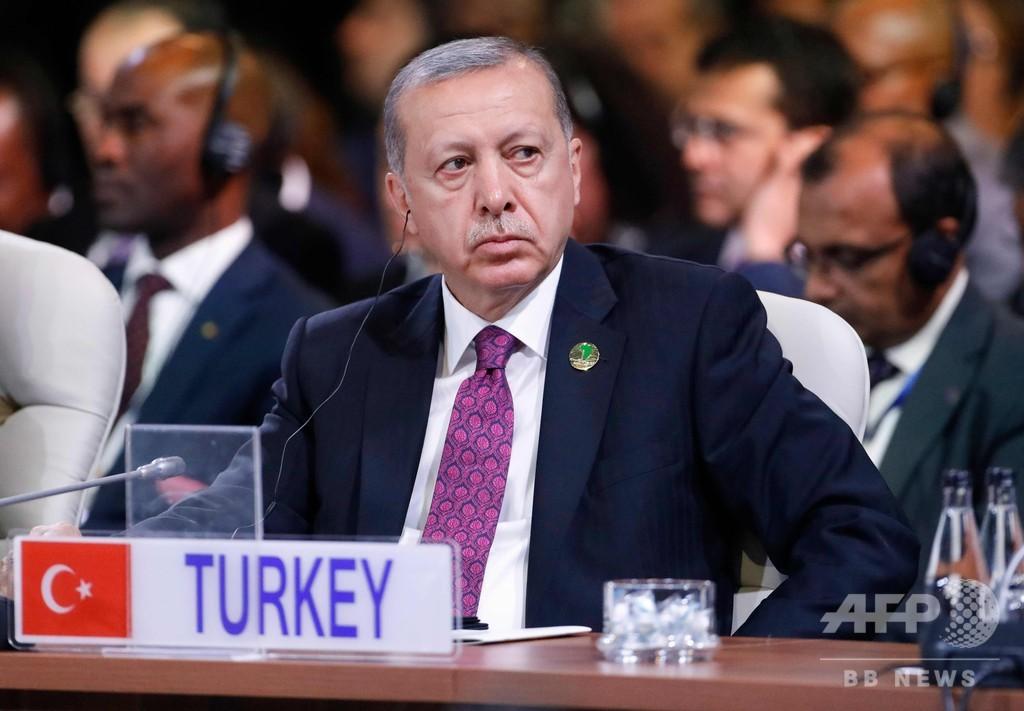 トルコ大統領が米2閣僚への報復制裁を表明 激化回避の意向も
