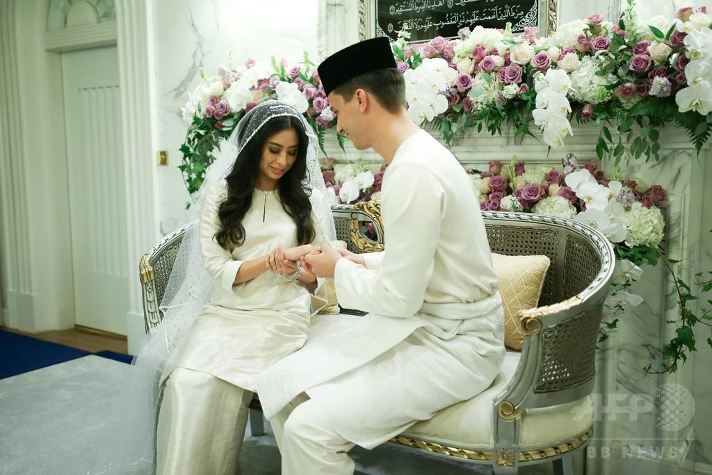 マレーシアのイスラム王侯の一人娘、オランダ人男性と豪華結婚式