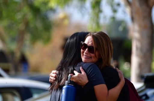ロス近郊の高校で銃撃、5人死傷 容疑者の生徒拘束