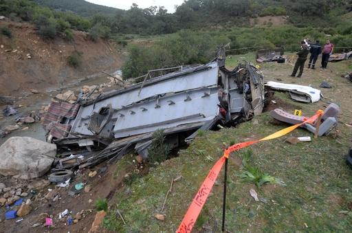 チュニジアでバスが渓谷に転落、24人死亡18人負傷