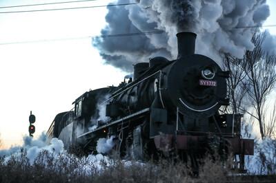 過ぎ去った蒸気機関車時代を再現 遼寧省調兵山市