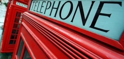 英国で電話ボックスをパブに、小さい居酒屋の世界記録に挑戦