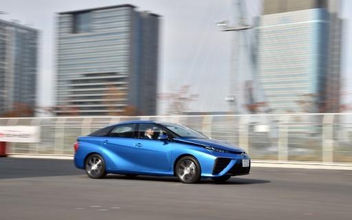 トヨタの新型燃料電池車「MIRAI」、国内販売は12月から