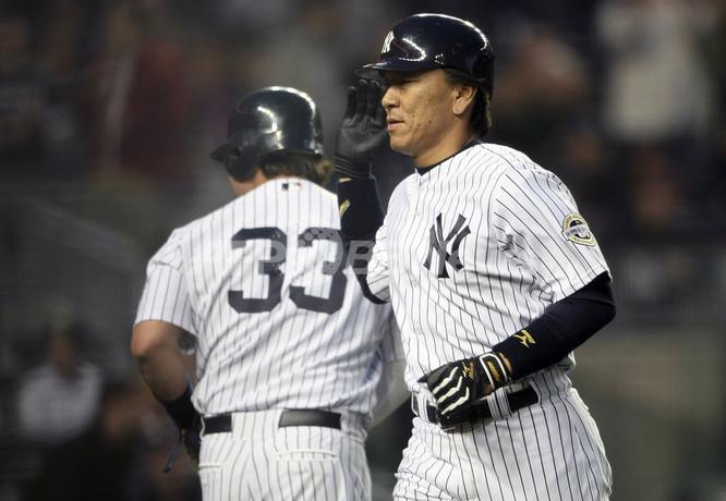2回に本塁を踏む松井秀喜画像