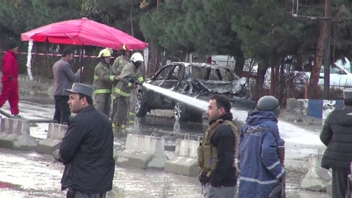 動画:カブールの政治集会で自爆攻撃、14人死亡 ISが犯行声明