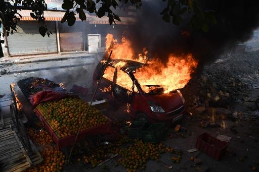 インド首都でデモ激化 死者13人に 市民権法めぐり