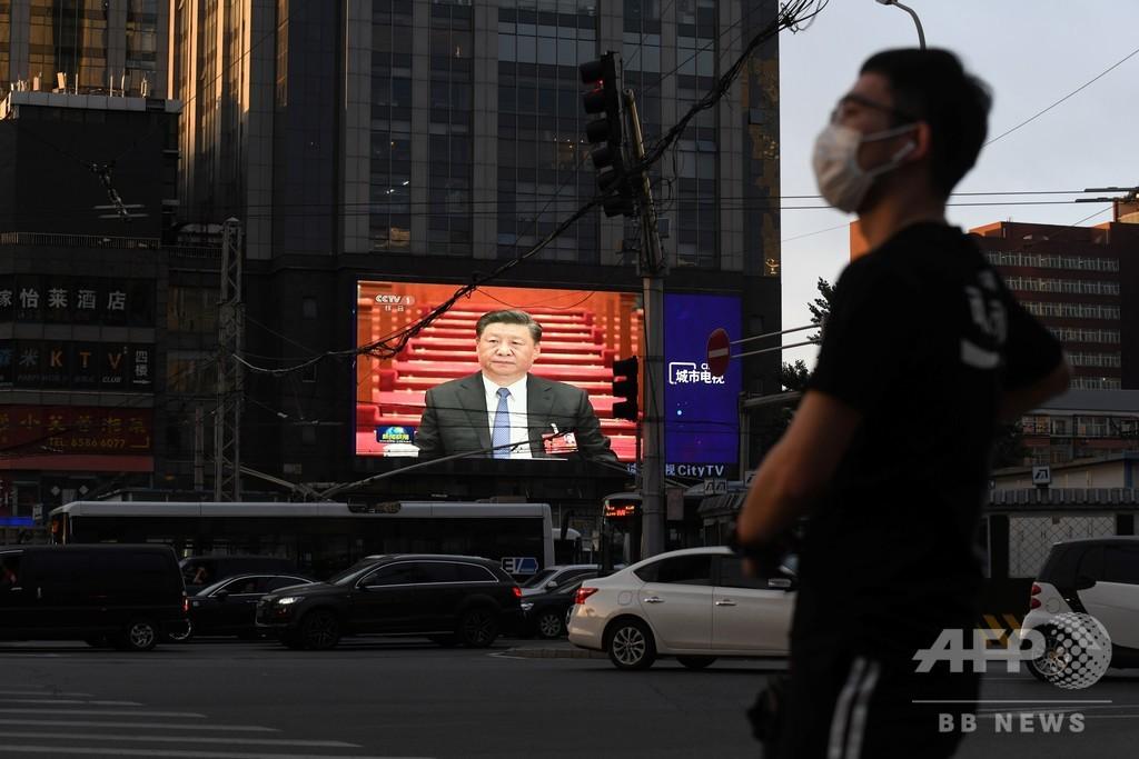 中国は世界の救世主か「戦狼」か コロナで浮かび上がる好戦的外交