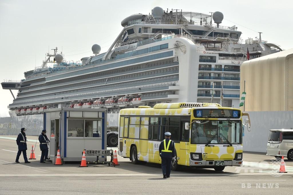 クルーズ船の検疫態勢、「カオス」との批判に当局が反論