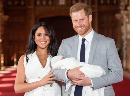 ヘンリー英王子夫妻の新居改築費3億円超、君主制廃止求める団体などが批判