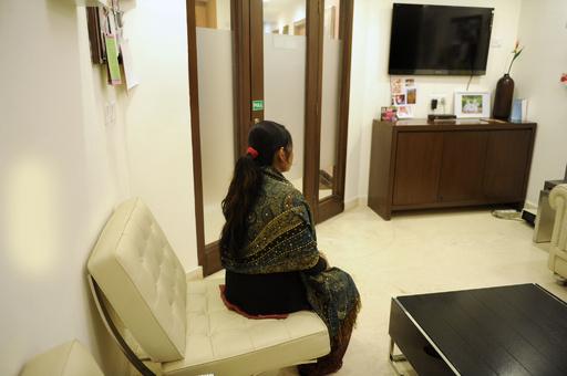 「子宮貸します」、インドで急成長の代理母出産ビジネス