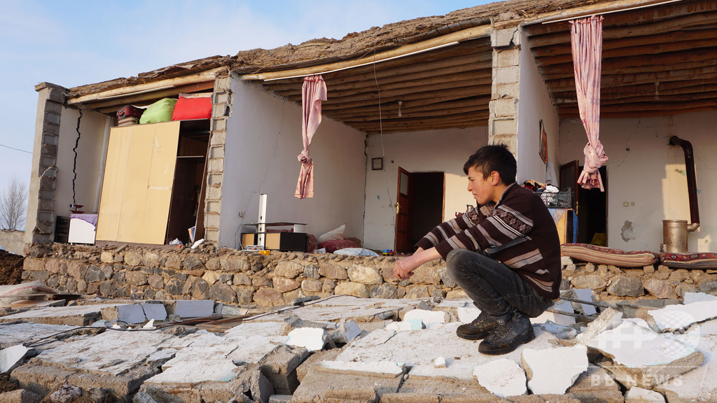 イランでM5.7の地震 65人負傷 国境付近のトルコで9人死亡