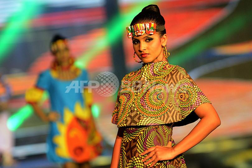 スリランカでチャリティ・ファッションショー開催