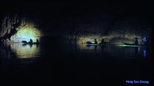 動画:タイ洞窟から少年救出したダイバーら、ベトナム洞窟で新たな発見