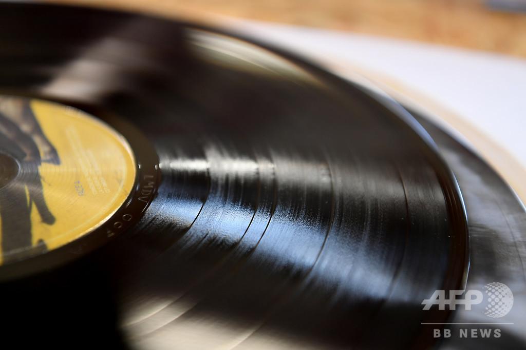 「やさしく歌って」の作詞家ノーマン・ギンベル氏死去、91歳