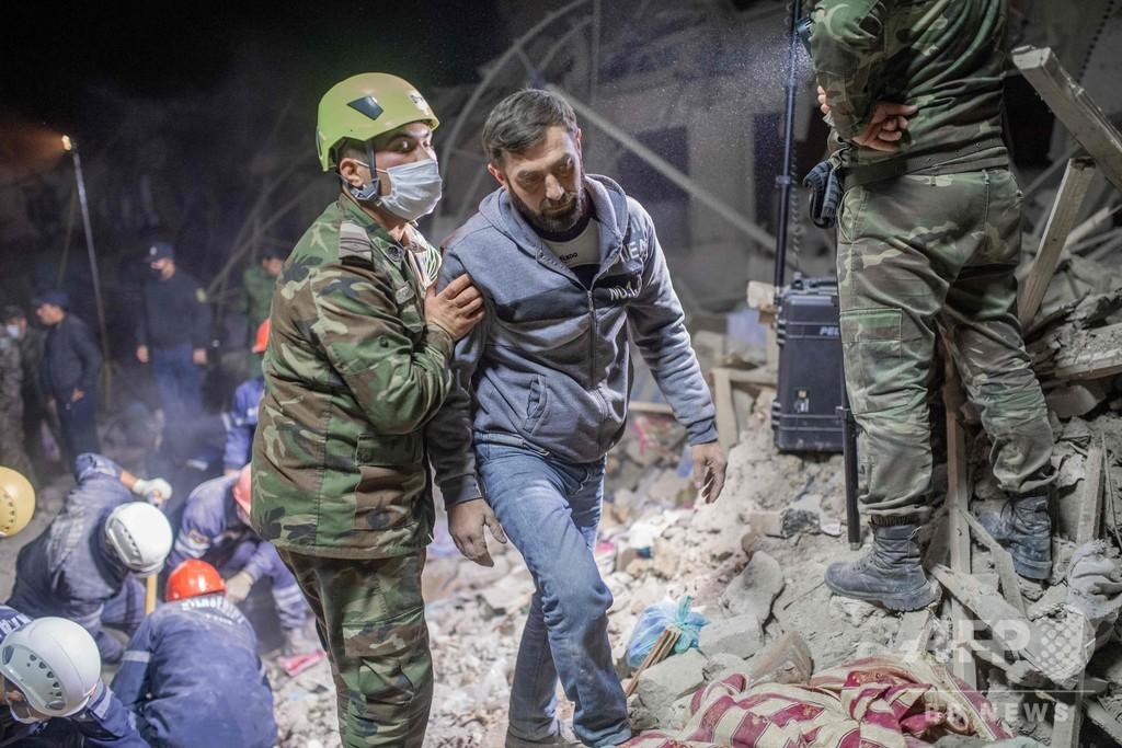 アゼルバイジャン第2の都市にミサイル、民間人に被害
