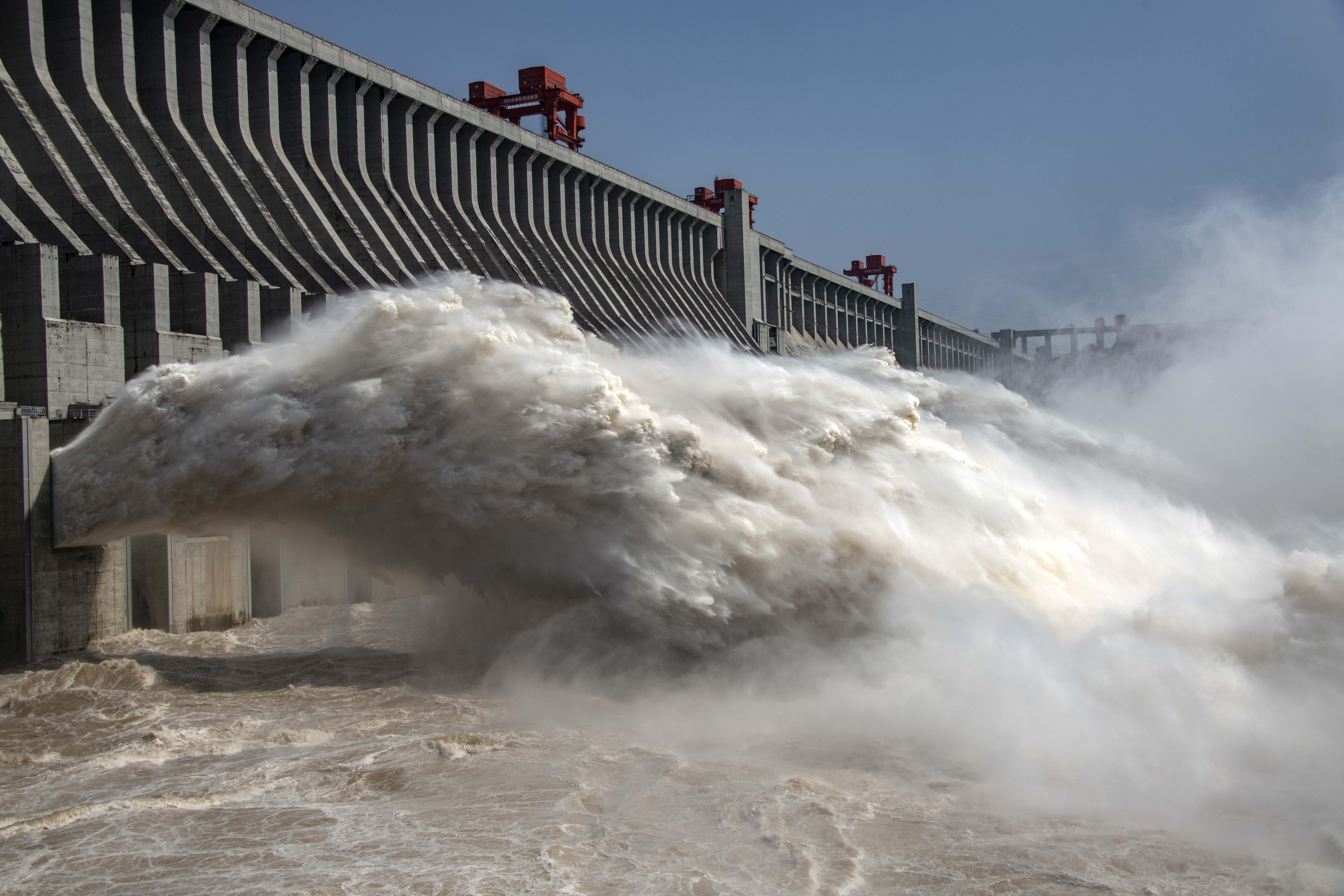 長江の増水、今年3回目のピークが三峡ダムを通過