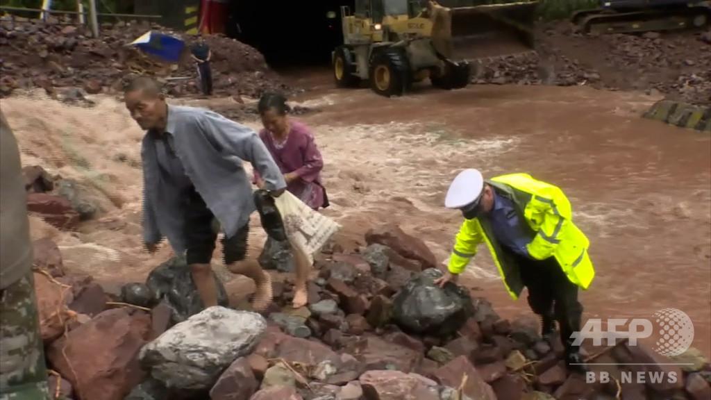 大雨により各所で山崩れが発生、6人死亡、行方不明1人 中国・湖南省