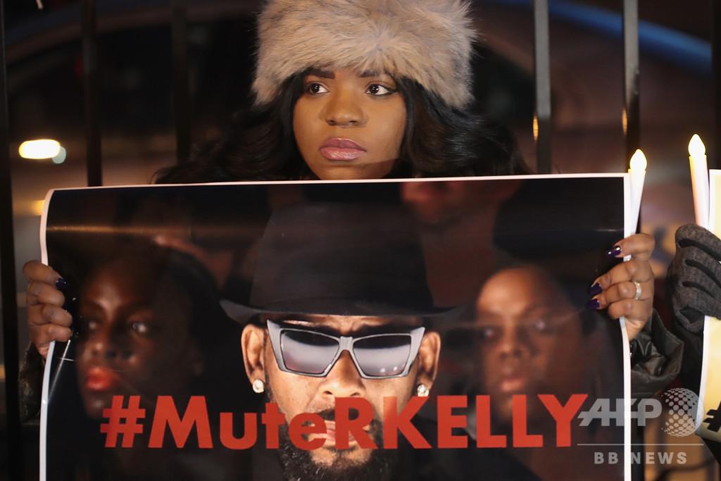 性的暴行疑惑の歌手R.ケリー氏、レーベルが契約解除 米報道