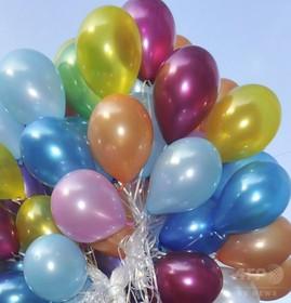 ヘリウム風船110個を付けた椅子で飛行した男に罰金刑、カナダ