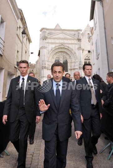 サルコジ仏大統領が各国首脳を酷...