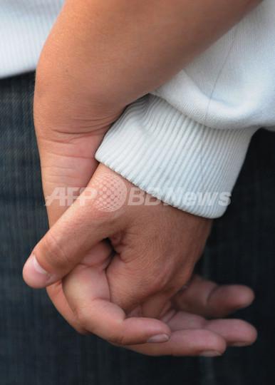 カリフォルニアの同性婚の違憲問題裁判、連邦裁で始まる