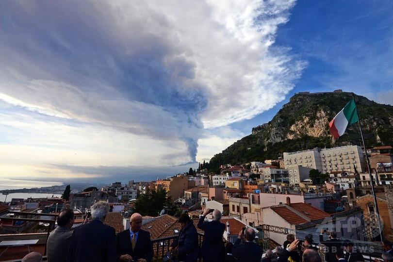 伊シチリア島のエトナ山噴火