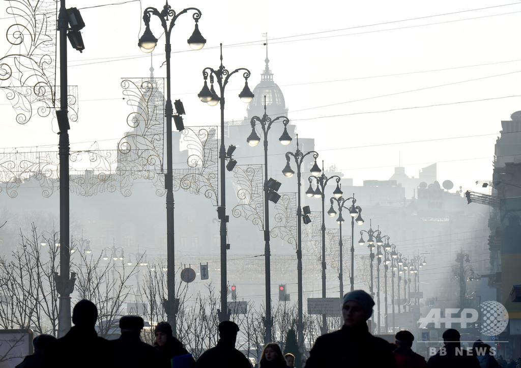 ウクライナ議員狙った銃撃で3歳息子死亡、10代の容疑者2人拘束