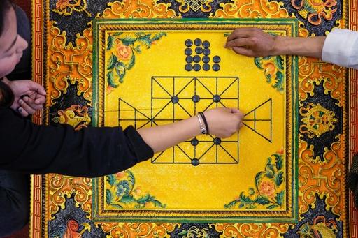 チベット碁の棋士に史上初めて段位を授与