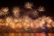 2014年の幕開け、世界各地が花火で祝う